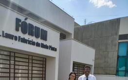 Audiência no Fórum da Comarca de São Miguel do Iguaçú, juntamente com a Assessora Jurídica do SINCLAPOL - Dra Andréa Vaz